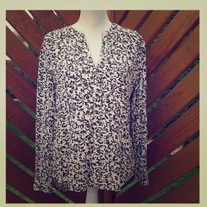 💚🍑Ann Taylor Green/Peach L/S print blouse